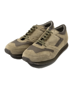 REPRODUCTION OF FOUND / 1990s British Trainer
