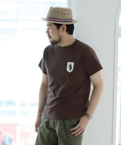 <MEN>NECESSARY or UNNECESSARY × fennica / 別注 熊ワッペン Tシャツ