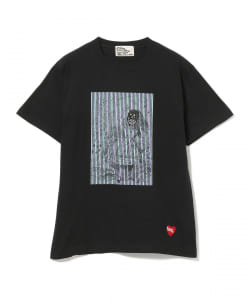 BLACK HUMOURS by Jody Barton / Alice Card TEE