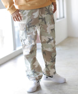 UNIVERSAL OVERALL × BEAMS / 別注 Easy Cargo Painter Pants Camo