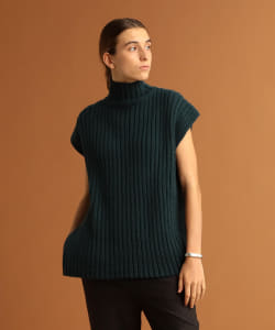 Pilgrim Surf+Supply / Mika Sleeveless Turtleneck