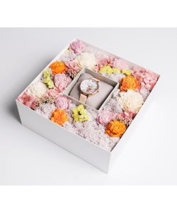 OLIVIA BURTON / WHITE box ①